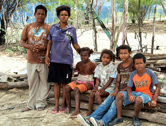 Image of Angel, his wife and four children, who will benefit from the housing project in the Dominican Republic