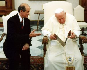Cross Catholic Outreach President Jim Cavnar (left) at a meeting with Pope John Paul II.