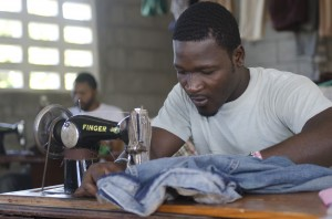 Cross Catholic Outreach helps provide sewing classes to prison inmates in Les Cayes, Haiti so they will one day be able to earn an honest, sustainable living.