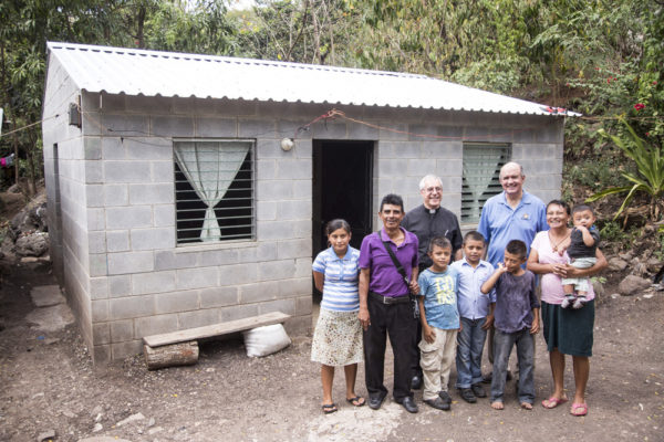 Visits and inauguration of new homes and water projects in Los Chilitos.