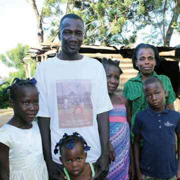 0113 – Kobonal Feeding, Haiti