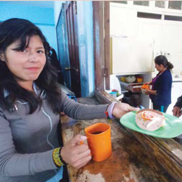 0572 – Meals for Poor Students – Bolivia
