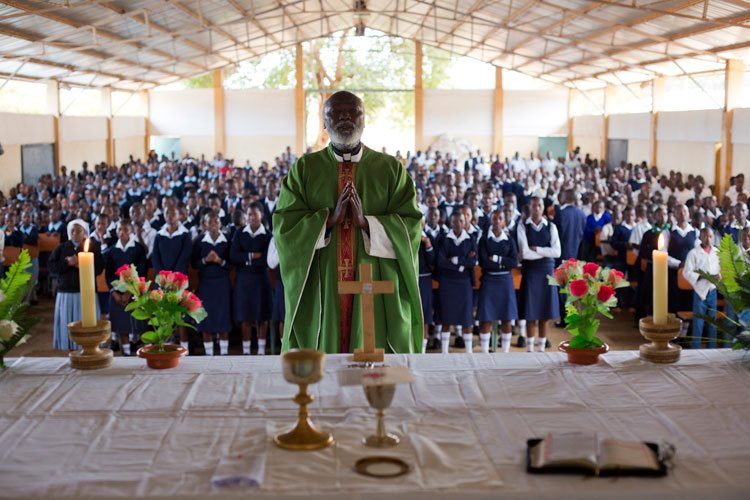 In Kenya, Father Francis celebrates Mass for the children at St. Francis, St. Clare and St. Philomena Homes. Since 2015, we have supported Fr. Francis' mission to provide a safe and loving home for orphans and vulnerable children.